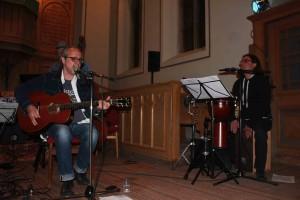 Thanassis Zotos - Gesang & Perc. Jannis Zotos - Gitarre